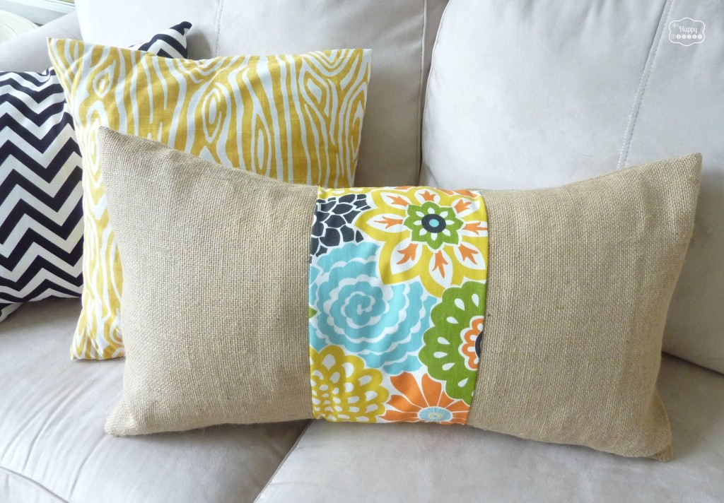 burlap floral strip pillow DIY tutorial at thehappyhousie